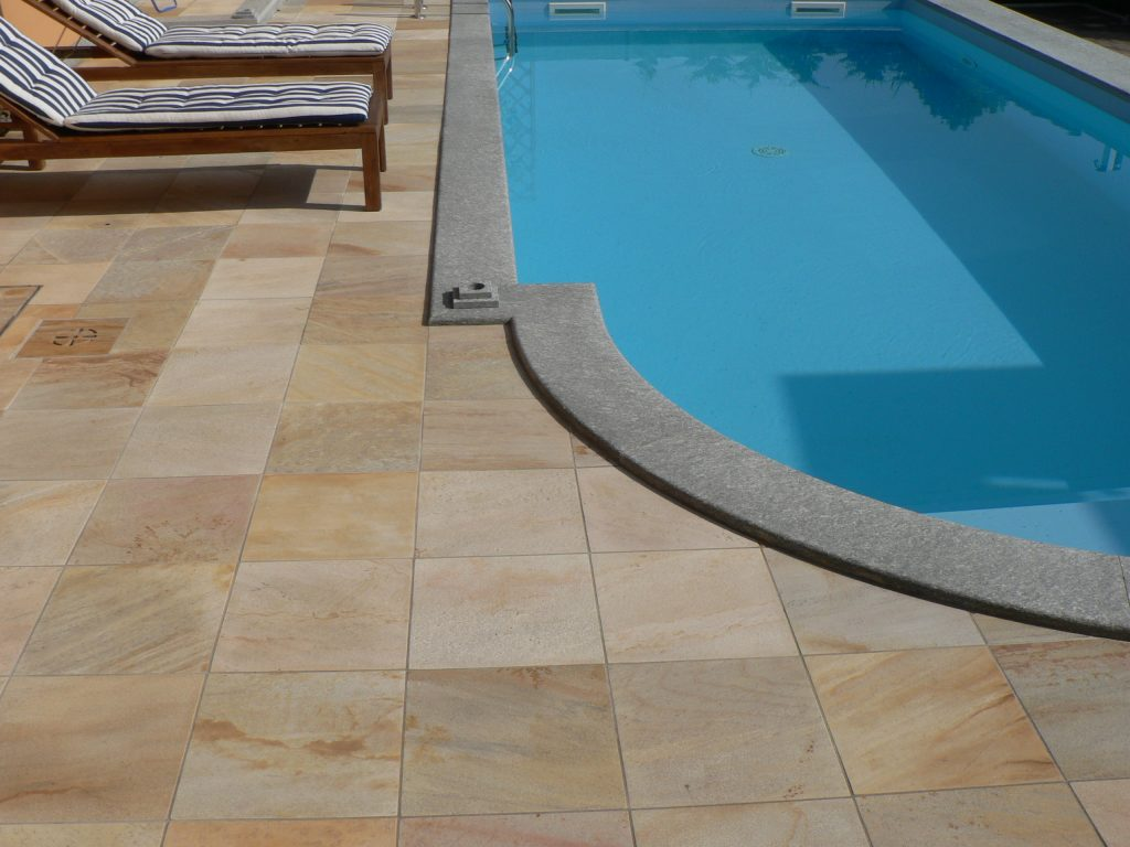 bordo piscina pietra di luserna