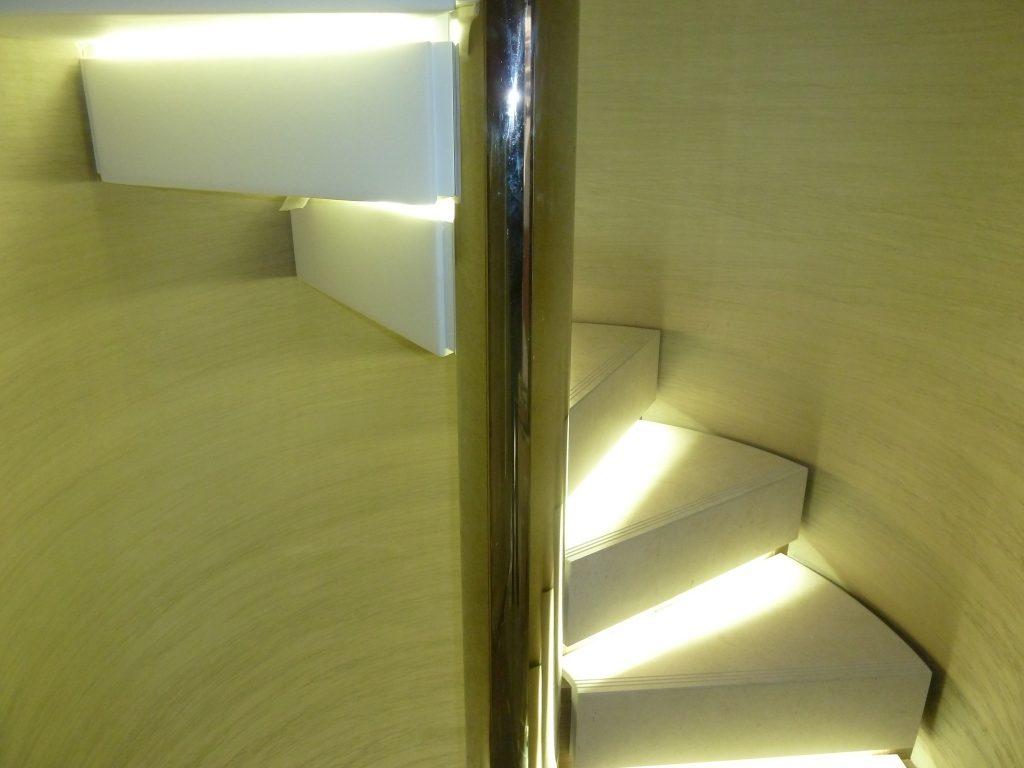 scala elicoidale marmo