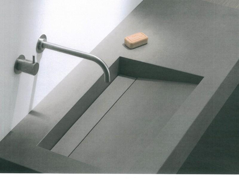 top bagno in gres con vasca integrata