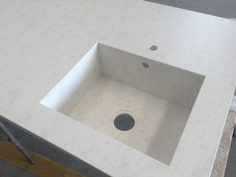 top cucina vasca in agglomerato di quarzo integrata