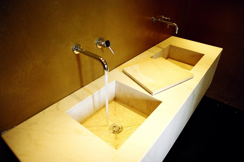Il bagno in marmo, differenti fasce di prezzo