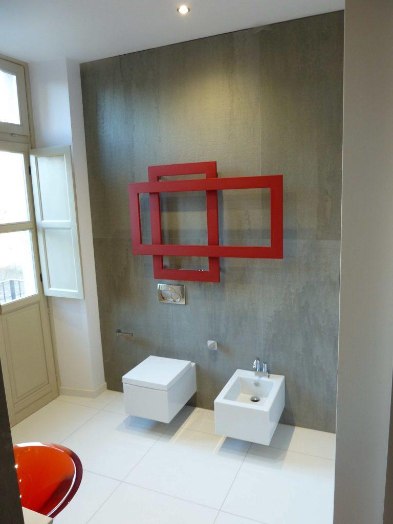 bagno in marmo quarzite grigia