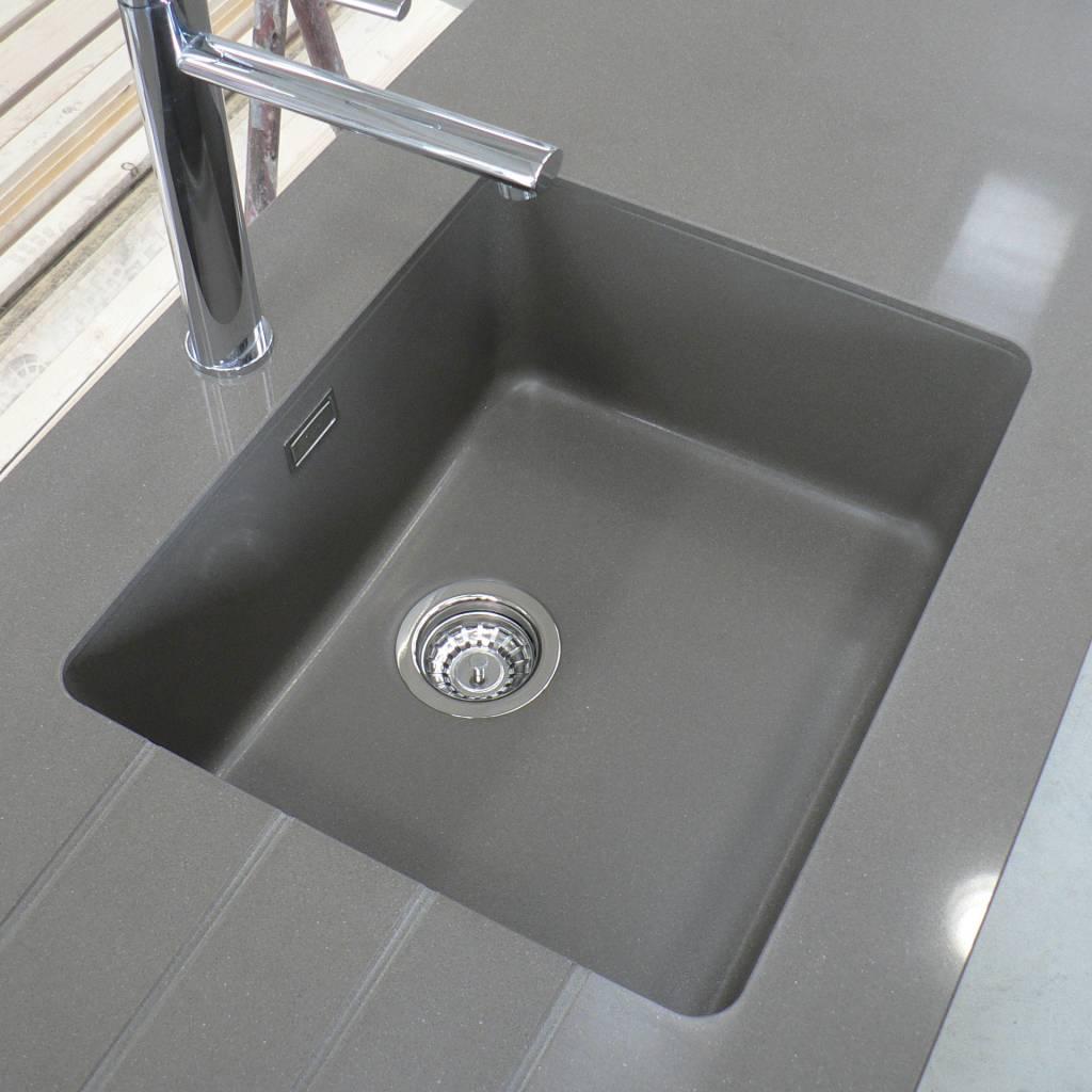 Lavello per top cucina in agglomerato stone italiana modello u-design