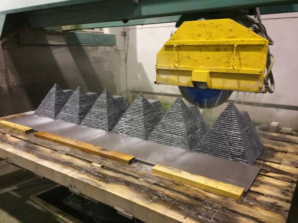 massello-piramide-capitello-pietra-di-luserna-2