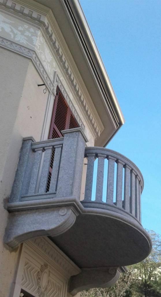 massello-portale-balcone-edilizia-pietra-di-luserna-1