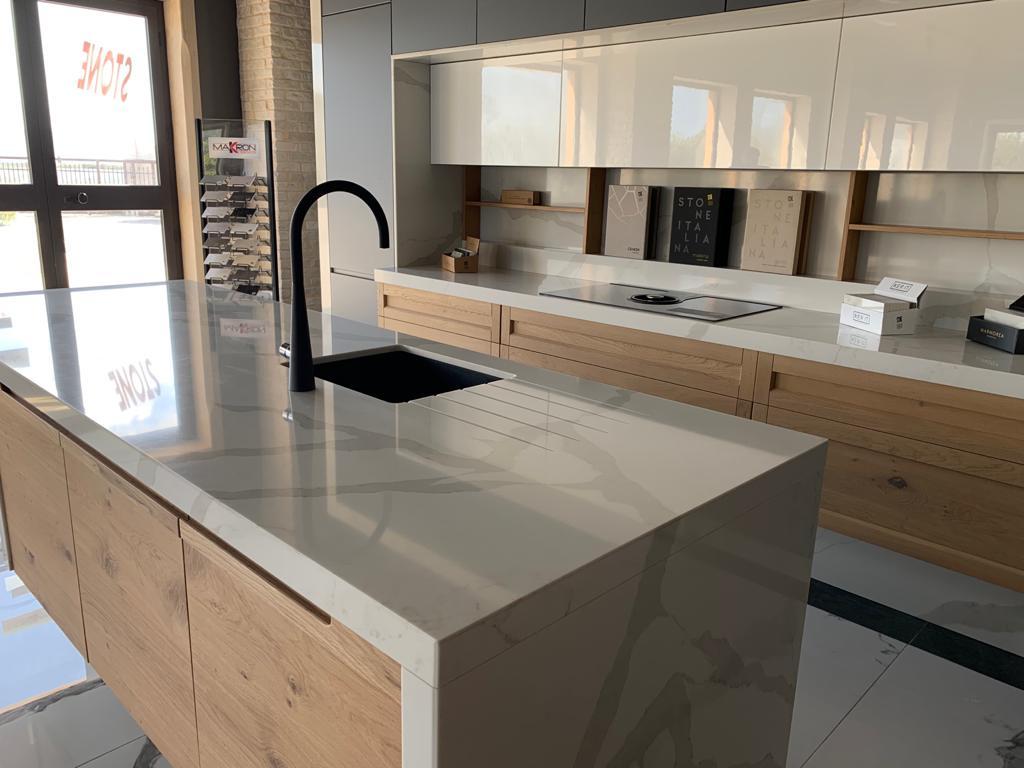 stone-italiana-marmorea-cucina-golden-gloss-4